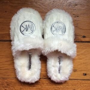 Michael Kors white cable knit fuzzy slippers